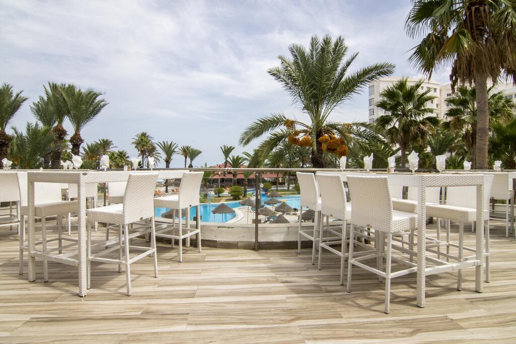 HOTEL RIADH PALMS 4* Sousse Cijena 1.080 KM 8 Dana 10/13 Dana Jun 21' - Sep 15'