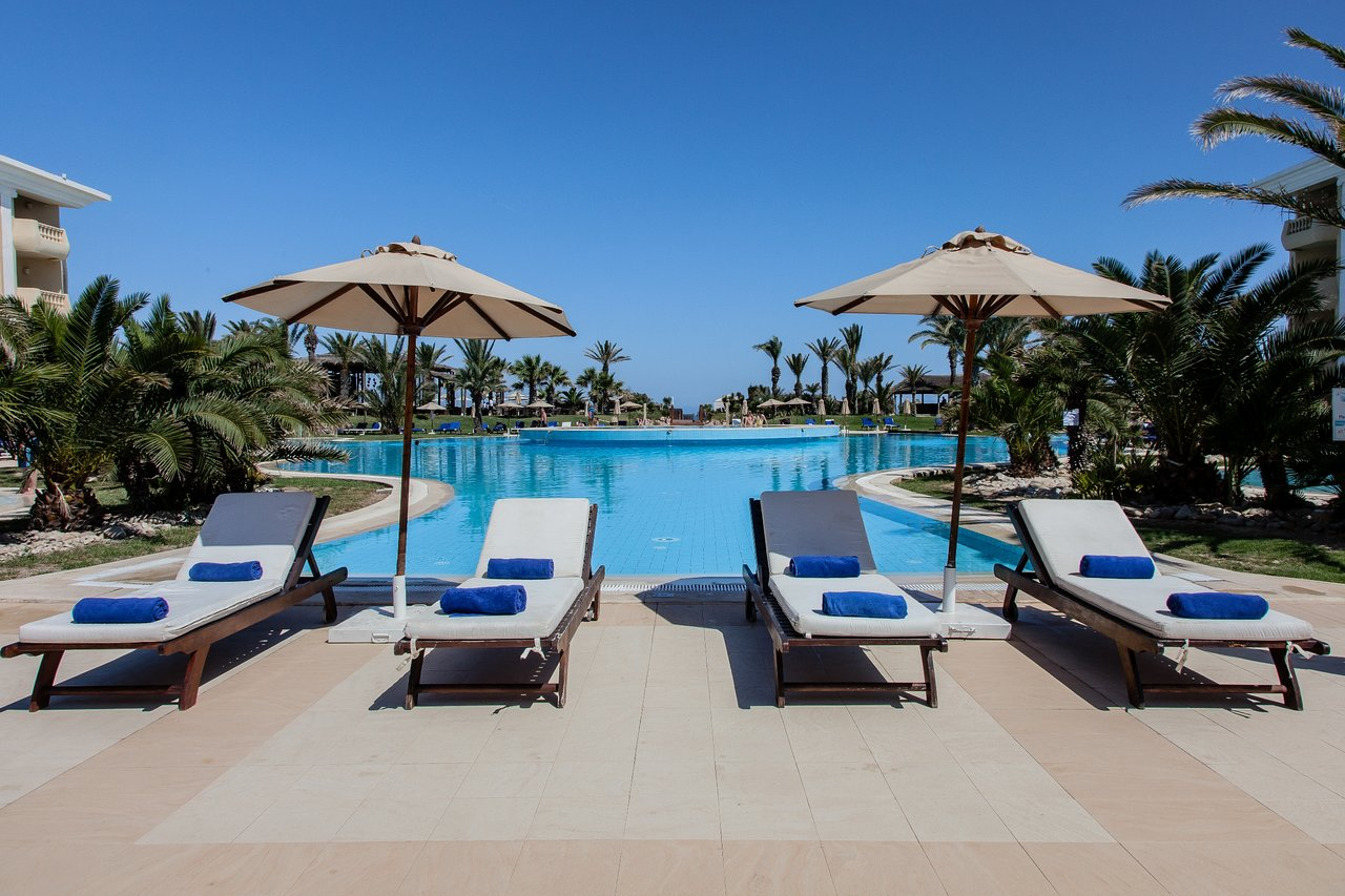HOTEL ROYAL THALASSA MONASTIR 5* Cijena već od 1.150 KM 8 Dana 10/13 Dana Jun 21' - Sep 15'